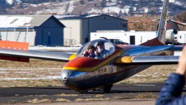 CSA learner pilots glider